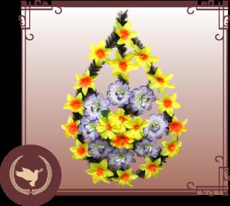 Венок из искусственной хвои с цветами СК-1